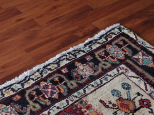 Incorporating a Rug into Your Hardwood Flooring